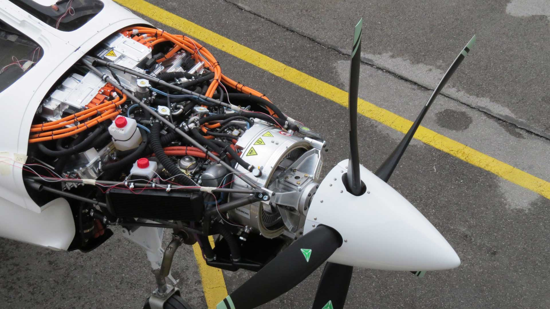 Pipistrel and siemens power up 39 most powerful 39 hybrid flyer for Most powerful electric motor