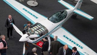 Extra Siemens electric aircraft