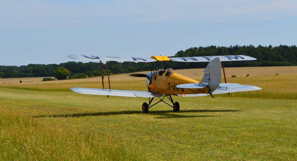 Tiger Moth tailwheel training