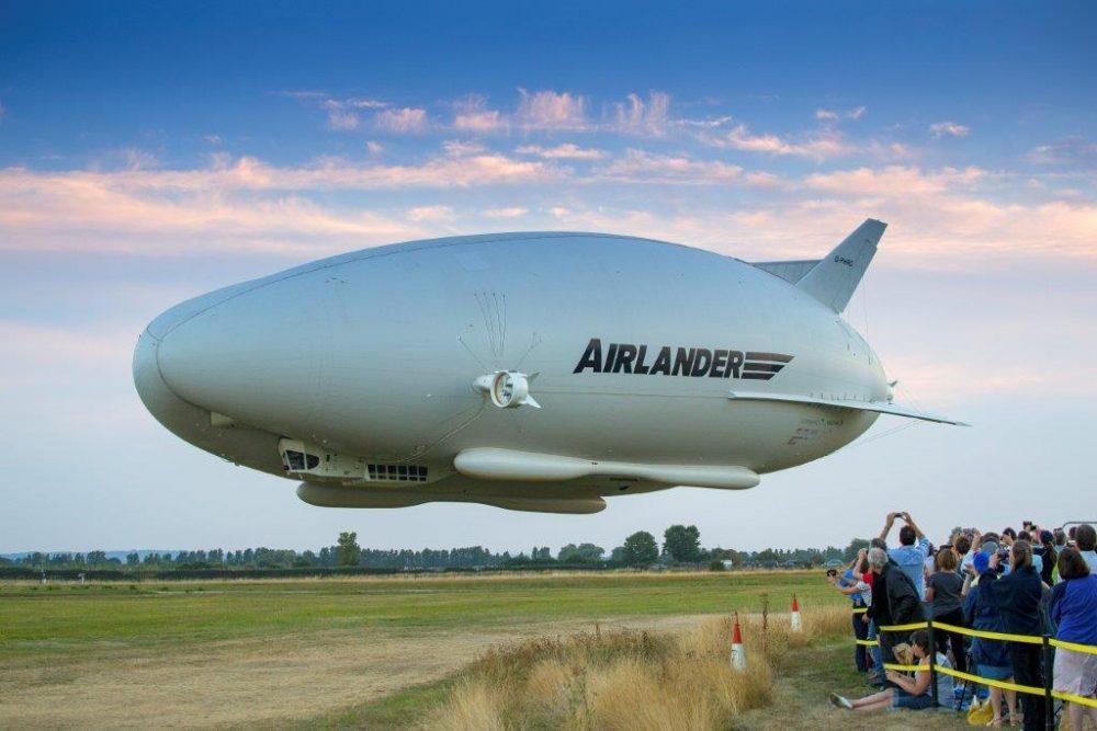 Airlander 10 first flight