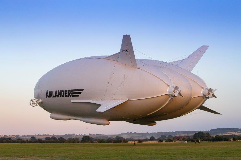 Airlander 10 take-off