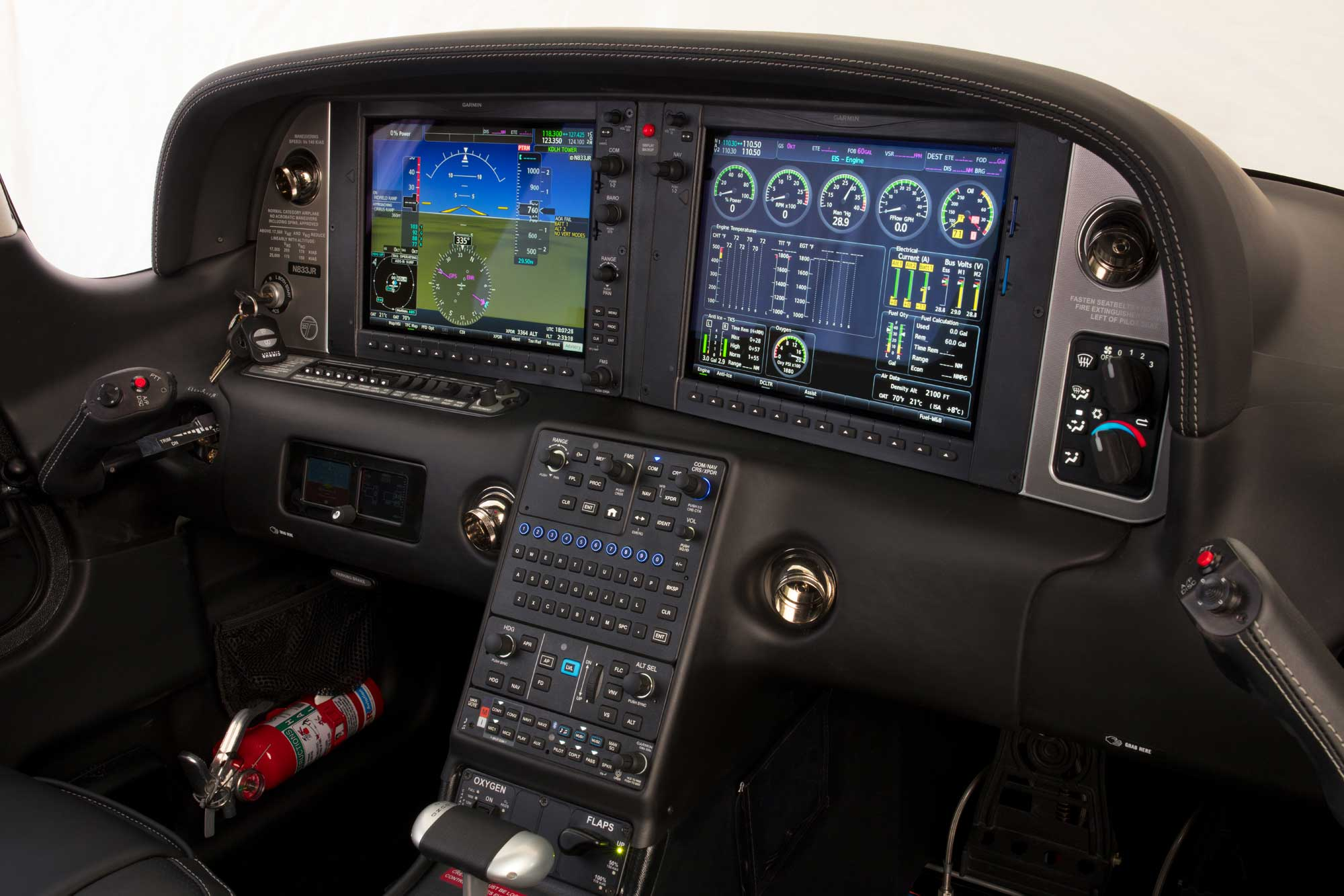 Cirrus G6 flight deck