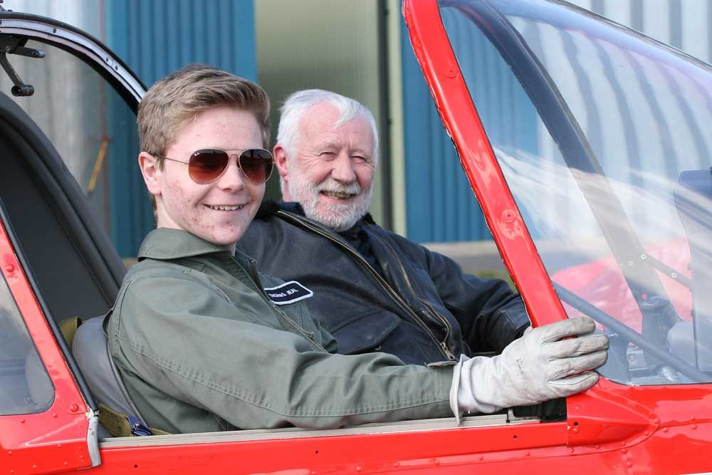 Cotwold Airport flying scholarships