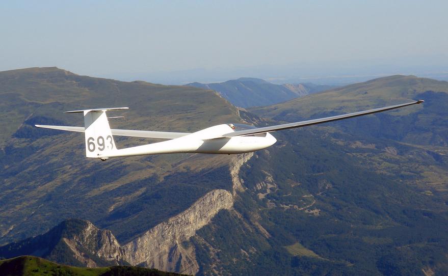 gliding scholarships