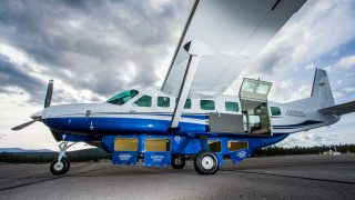 Waves CEssna Grand Caravan