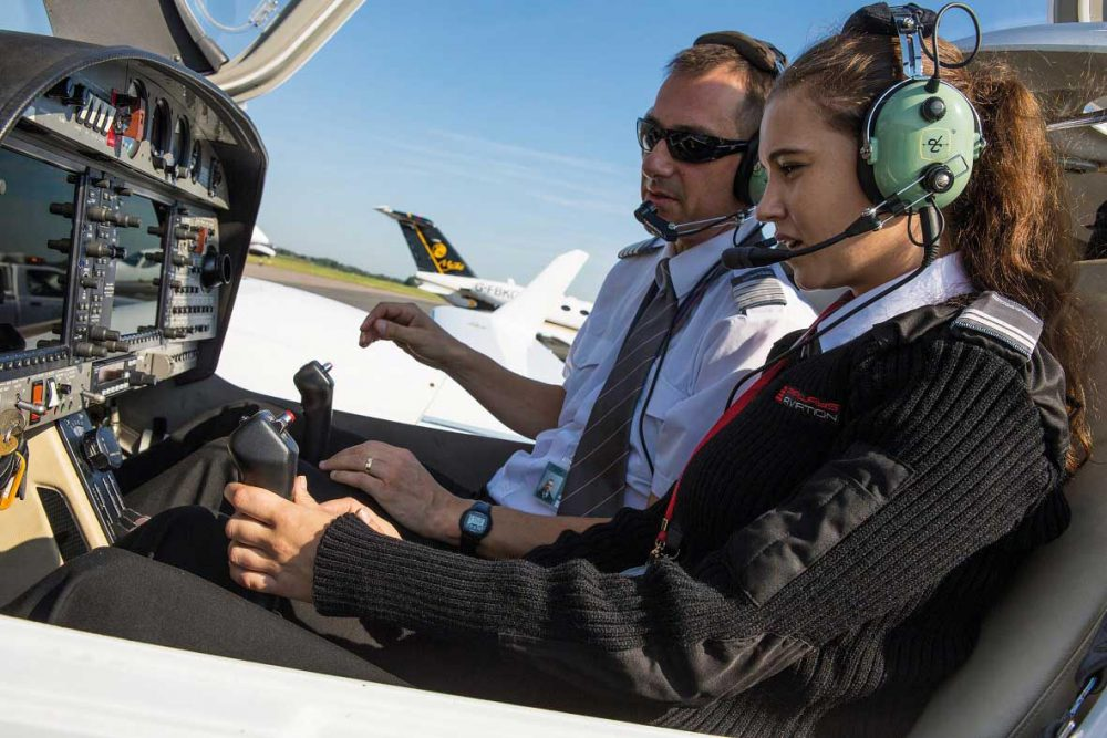 female pilot scholarship
