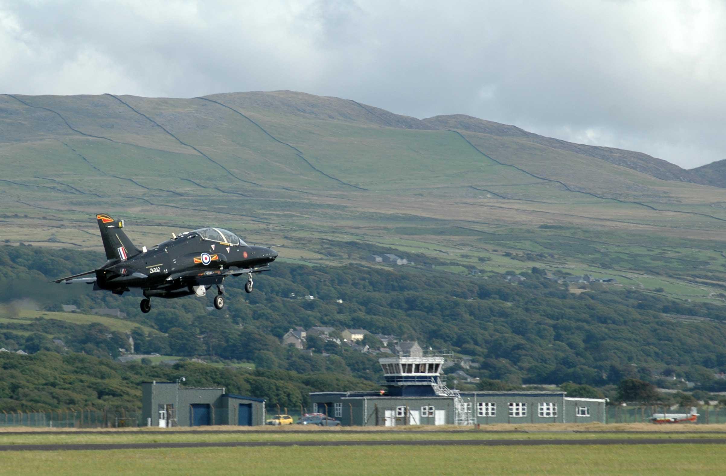 Hawk Llanbedr