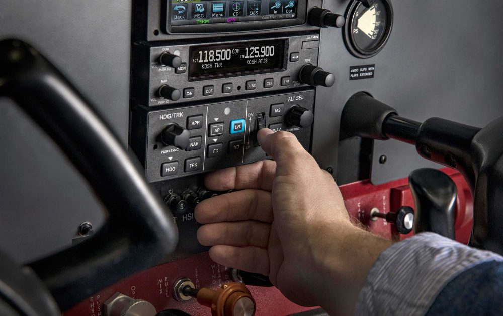 Garmin GFC 500 auto-pilot