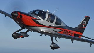 Cirrus SR22T 7000th