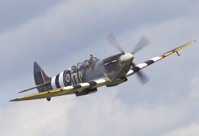 Flying Legends Spitfire