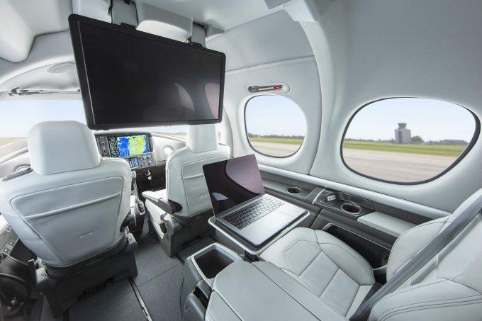 Cirrus Jet G2 cabin