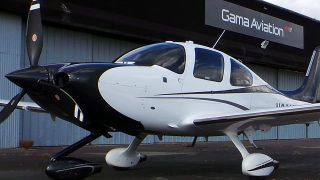 Gama Aviation Cirrus SR22