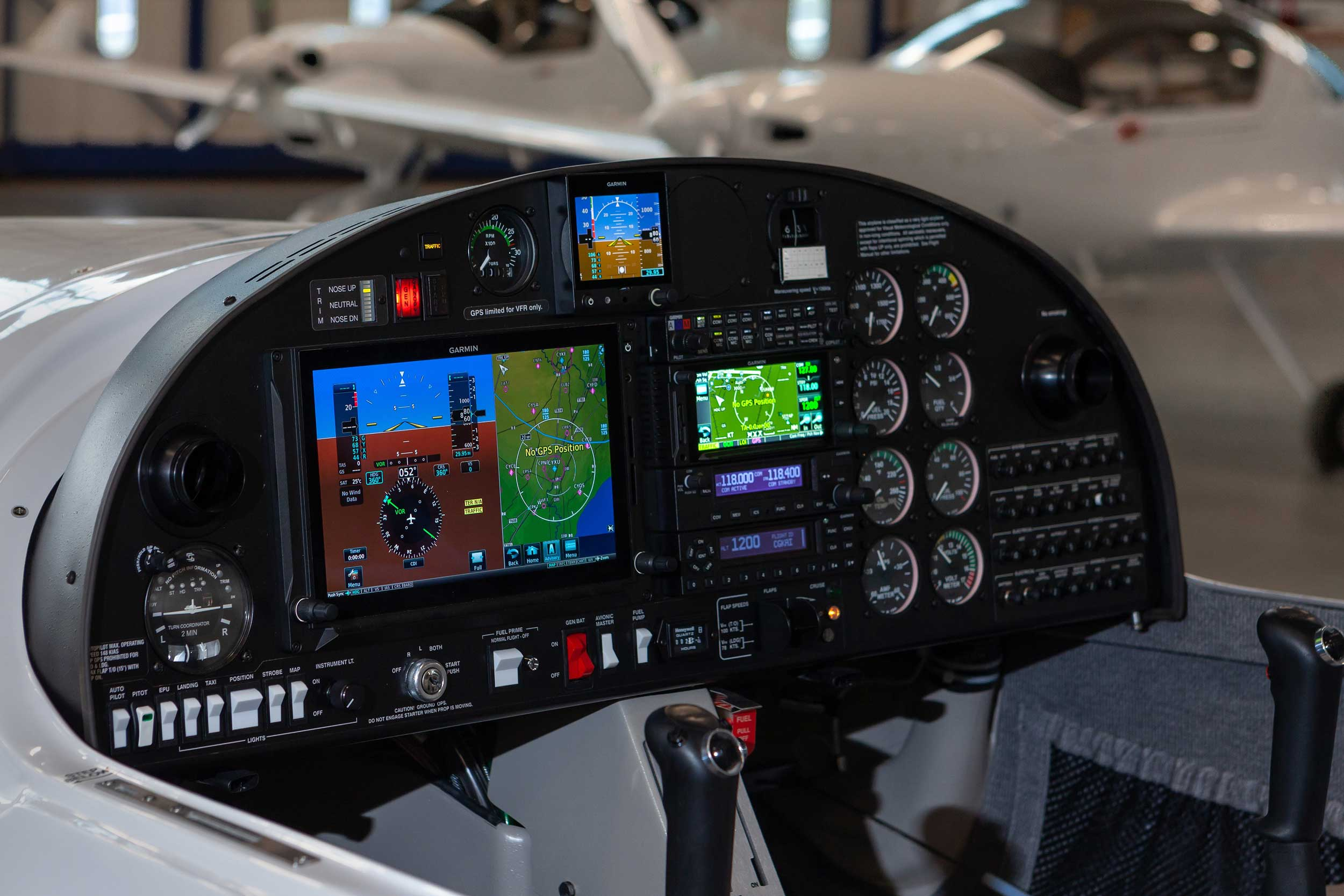 Diamond DA20-C1 cockpit