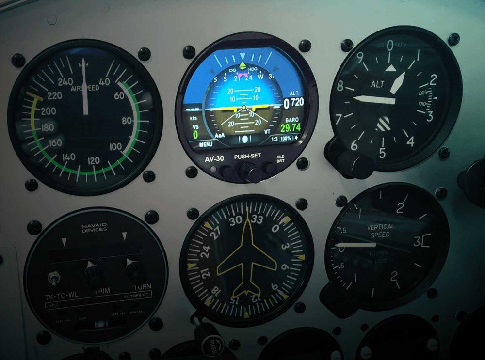 uAvionix AV-30-C