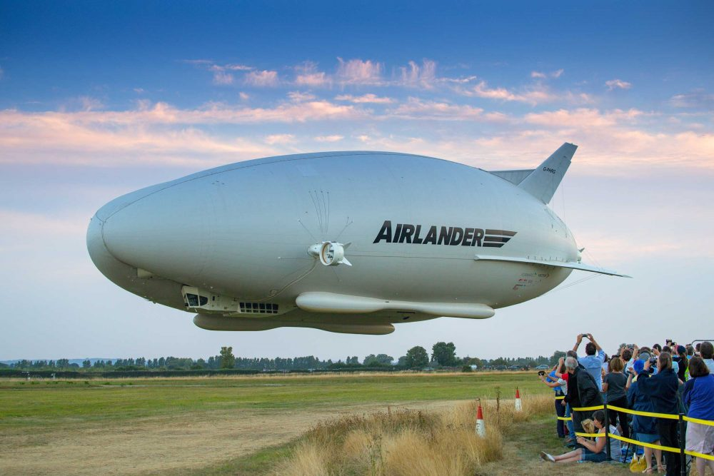 Airlander 10 airship