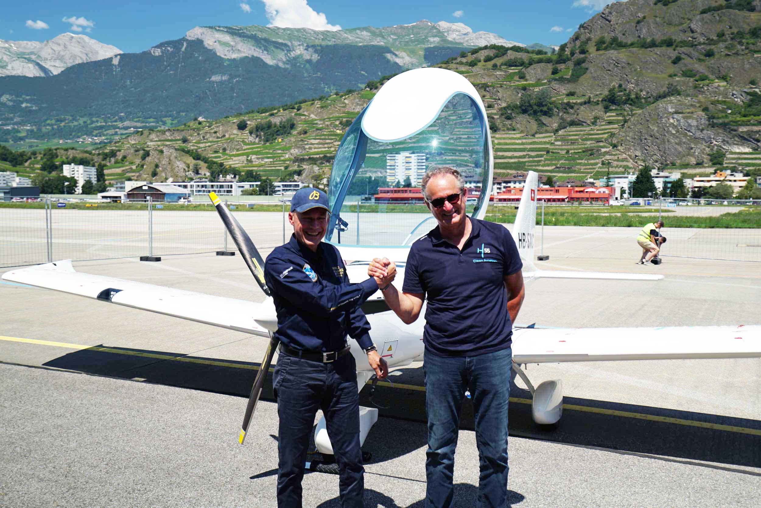H55 Solar Impulse pilots